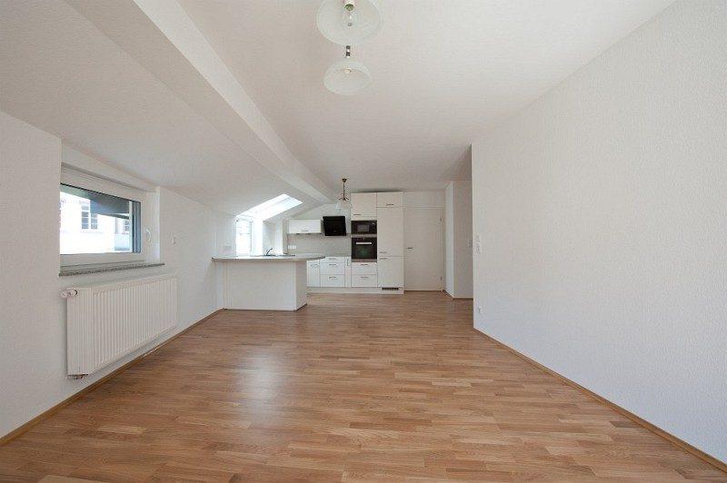 Winkeler Strasse großes Zimmer in Wohnung nach Umbau