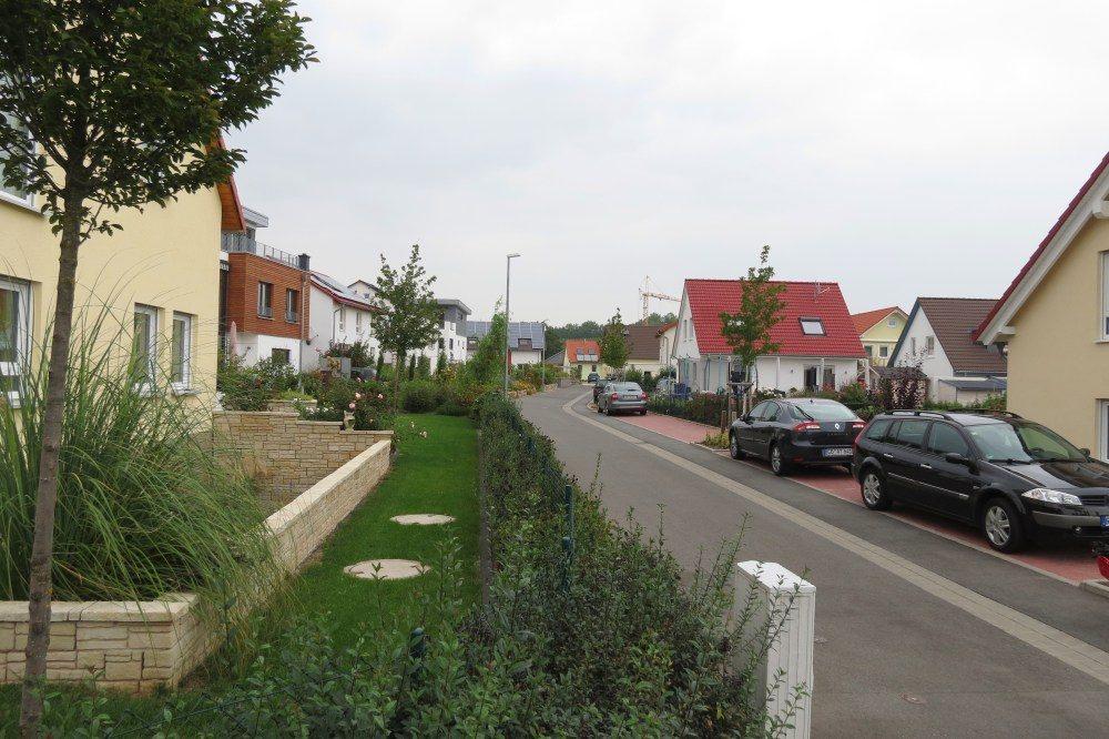 Oswald Neubaugebiet Häuser Straßenansicht
