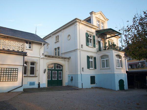 Referenzimmobilie historisches Gebäude mit großem Grundstück