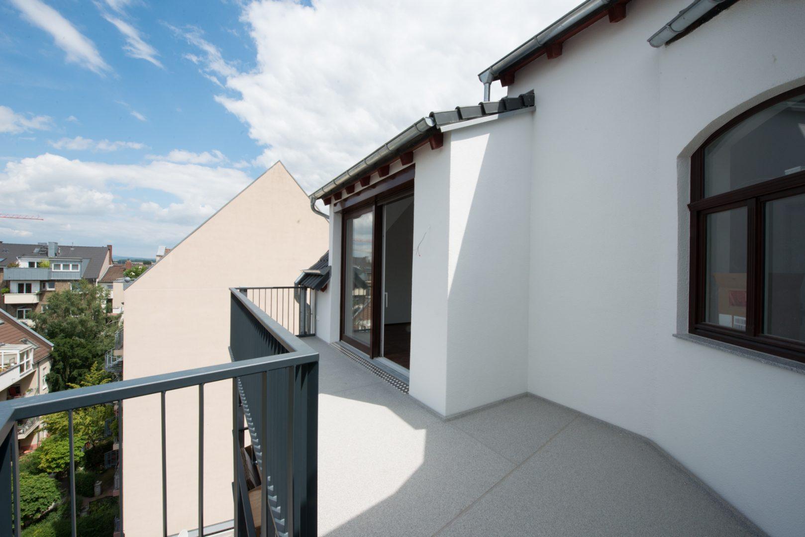 Neckarstrasse 1 Balkon Dachgeschoss