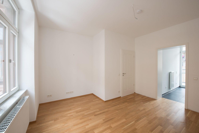 Neckarstrasse 1 Zimmer mit Sicht auf Küche