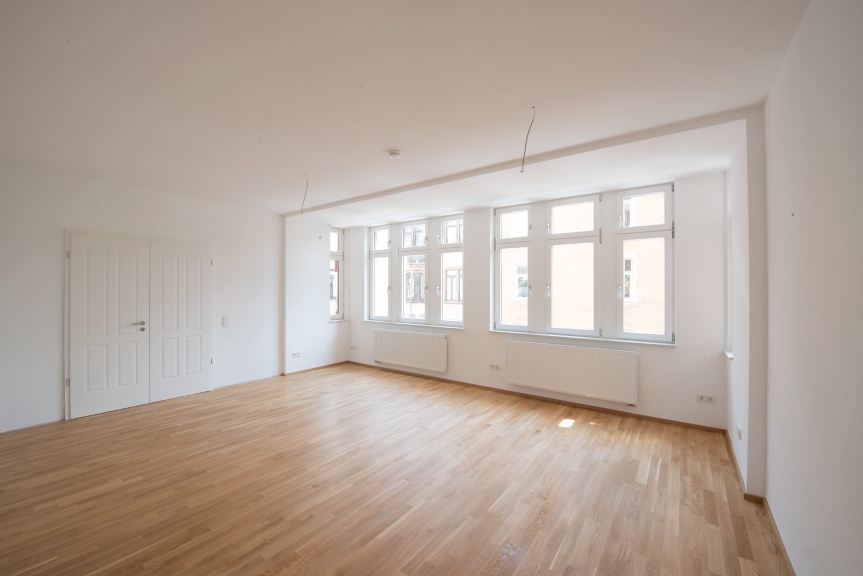 Neckarstrasse 1 geräumiges Zimmer