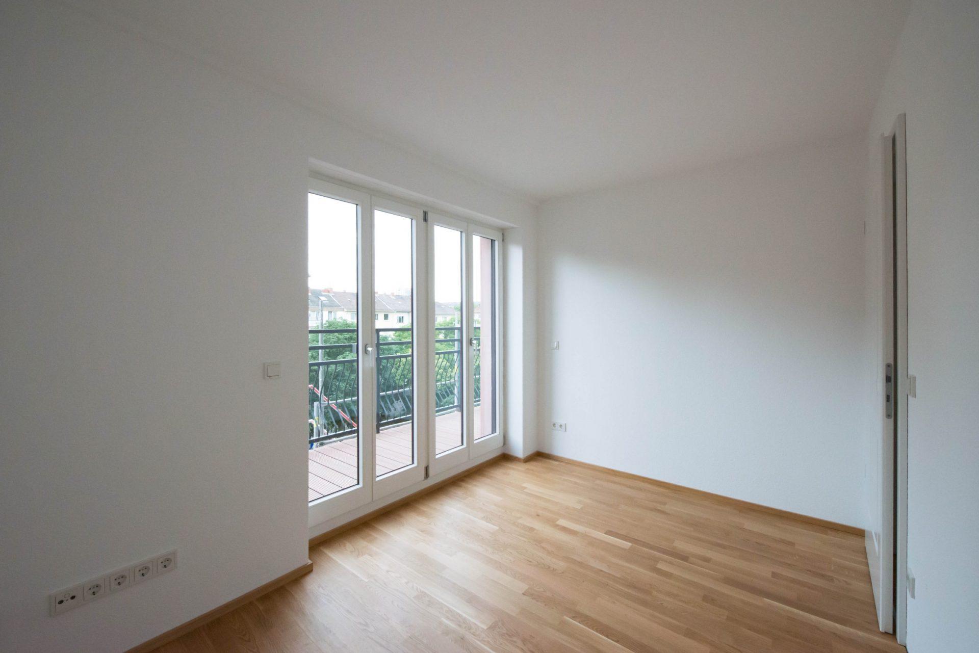 Neckarstrasse 1 Zimmer mit Balkon