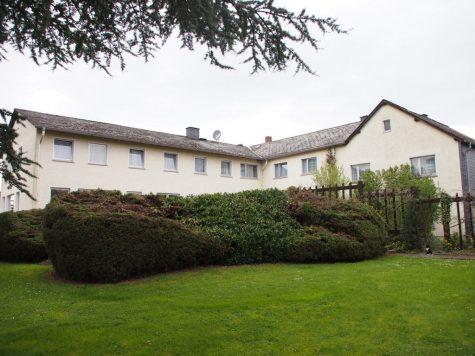 Mehrfamilienhaus mit Parkgrundstück + tollem Fernblick, 65385 Rüdesheim am Rhein, Mehrfamilienhaus