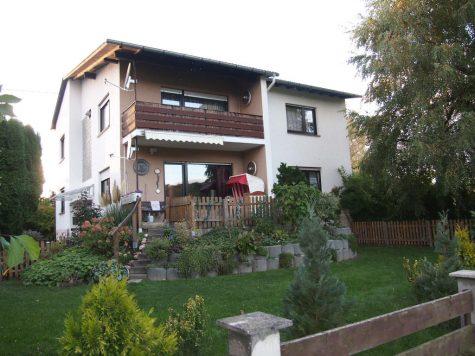 Großes Haus an Feldern und Wiesen mit Bachlauf, 65510 Idstein, Einfamilienhaus