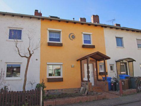Saniertes Haus in beliebter Wohnlage(reserviert), 65366 Geisenheim, Reihenhaus
