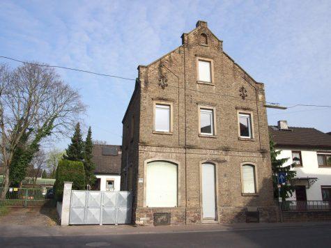 Entzückendes 1-2 Familien- Backsteinhaus mit Ausbaupotential, 65375 Oestrich-Winkel, Einfamilienhaus