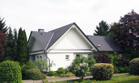 Freistehendes Haus mit Luxus-Potential in 1-A-Lage, 65366 Geisenheim, Einfamilienhaus