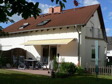 Modernes Einfamilienhaus in Weinbergsnähe, 65375 Oestrich-Winkel, Doppelhaushälfte