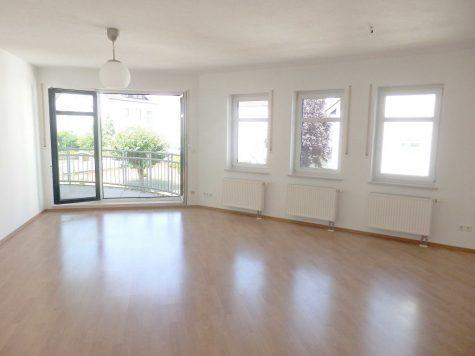 Tolle 4 Zimmer-ETW mit 2 Balkonen in Blicklage, 65347 Eltville am Rhein, Wohnung