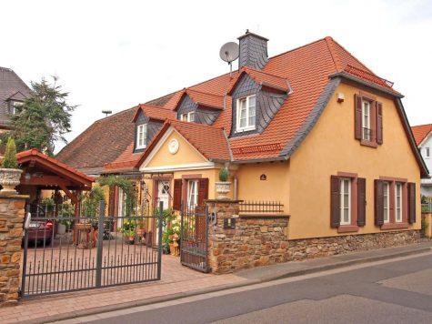 Stilvoll saniertes Einzelkulturdenkmal, 65375 Oestrich-Winkel, Einfamilienhaus