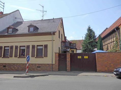 Saniertes Haus in angenehmer ruhigen Lage !, 65205 Wiesbaden, Doppelhaushälfte