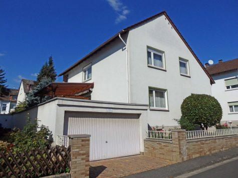 Freistehendes Haus mit viel Platz in ruhiger, schöner Wohnlage, 65396 Walluf, Einfamilienhaus