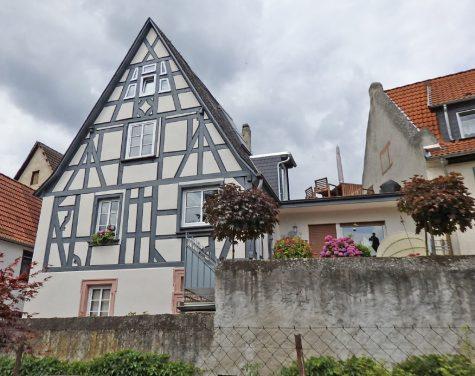 Rheingau Romantik mit Rheinblick, 65375 Oestrich-Winkel, Mehrfamilienhaus