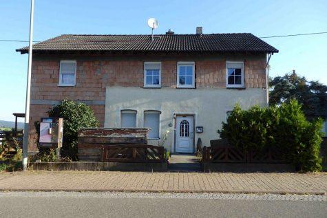 Viel Platz in Blicklage! 1-2 Familienhaus + Baugrundstück, 65385 Rüdesheim am Rhein, Einfamilienhaus