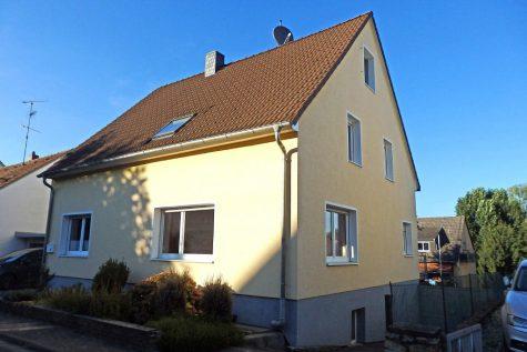 Großzügiges, saniertes Haus – Schöne Wohnlage – freistehend – familienfreundlich, 65396 Walluf, Einfamilienhaus
