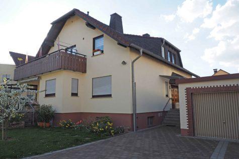 In beliebter Lage ! Großes 1-3 Familienhaus, 65399 Kiedrich, Einfamilienhaus