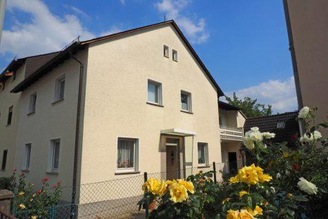 Großes 1-2 Familienhaus mit bezauberndem Grundstück, 65399 Kiedrich, Einfamilienhaus