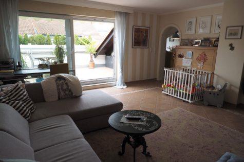 Moderne 4 Zimmer-Wohnung mit Dachterrasse und Blick, 65375 Oestrich-Winkel, Wohnung