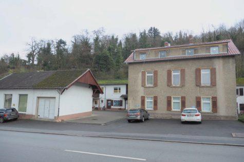 Charmantes Mehrfamilienhaus + Haus mit Halle, 55411 Bingen am Rhein, Einfamilienhaus