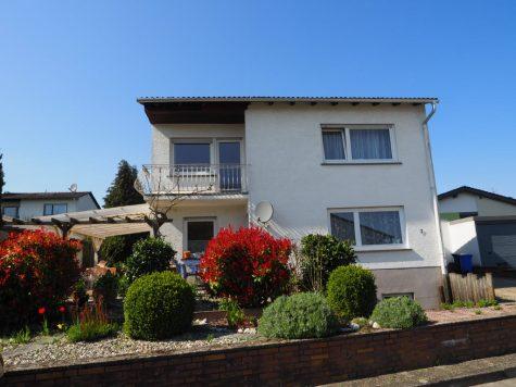 Haus mit großem Traumgarten – Ruhige 1-A Lage, 65366 Geisenheim, Einfamilienhaus