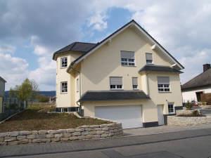 Niegel-nagel-neue Traumvilla mit Blick an Weinbergen, 65375 Oestrich-Winkel, Einfamilienhaus