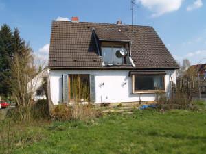 Freistehendes sanierungsbedürtiges Einfamilienhaus in schöner Lage, 65232 Taunusstein, Einfamilienhaus