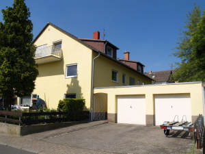 Super Kapitalanlage! Top 5-Familienhaus, 65329 Hohenstein, Mehrfamilienhaus