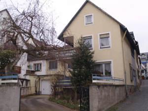 Kleines ehem. Weingut in ruhigem Ortskern, 65385 Rüdesheim am Rhein, Einfamilienhaus