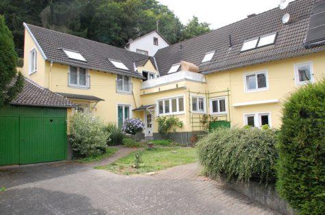 Ruhig gelegen, äußerst charmant und Platz ohne Ende, 65344 Eltville am Rhein, Einfamilienhaus