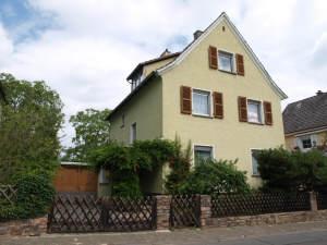 Johannisberg 1-2 Familienhaus mit Blick, 65366 Geisenheim, Zweifamilienhaus