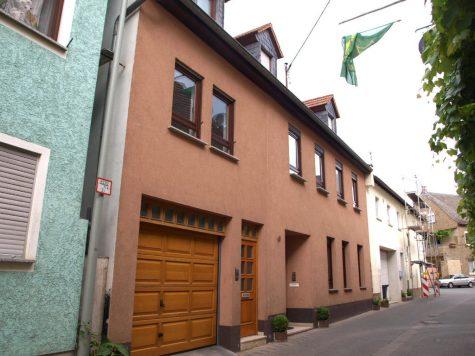 Oestrich-Winkel: Kleines Mehrfamilienhaus mit 4 Wohnungen, 65375 Oestrich-Winkel, Mehrfamilienhaus
