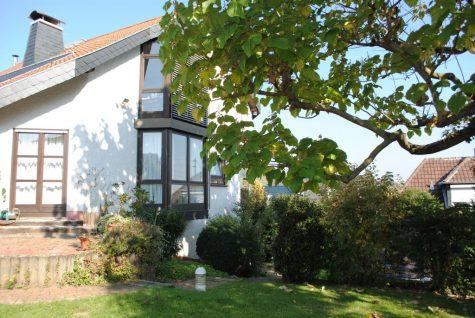 (Verkauft!) Großzügiges Architektenhaus mit hochwertiger Ausstattung & teilweise Blick, 65396 Walluf, Einfamilienhaus