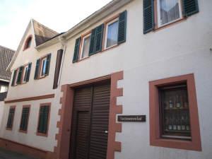 **Altes Schätzchen im Dornröschenschlaf** mit Scheune, 65375 Oestrich-Winkel, Einfamilienhaus