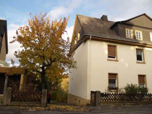 Charmante DHH angrenzend an Weinberge, mit schönem Blick!, 65399 Kiedrich, Einfamilienhaus